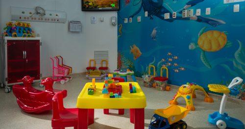 Especialista do Sabará fala sobre higienização de brinquedos e livros