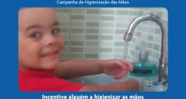 Incentive alguém a higienizar as mãos
