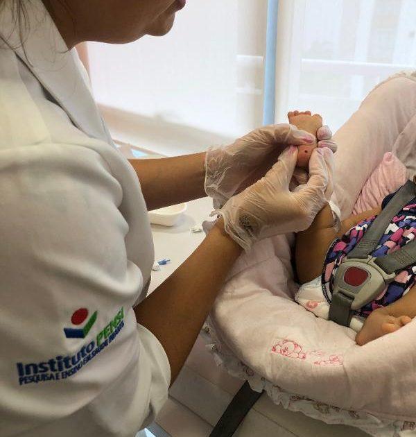 Teste do pezinho pode descobrir doenças imunológicas em recém-nascido